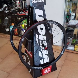 VISION TEAM 35 BLACK CON MOZZI SILVER/RED